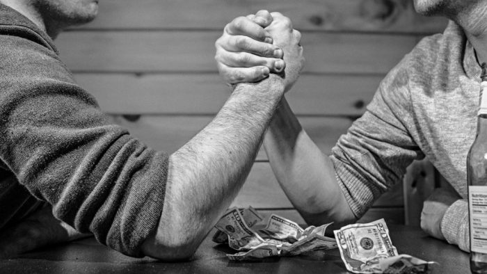 armwrestlas med pengar